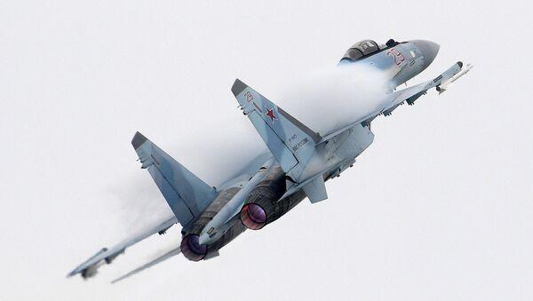 El caza ruso Su-35 (archivo) - Sputnik Mundo