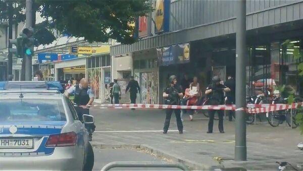 Las fuerzas de seguridad en el lugar del ataque en Hamburgo, Alemania - Sputnik Mundo