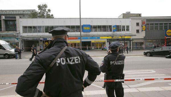 Policía de Hamburgo en el lugar del ataque - Sputnik Mundo
