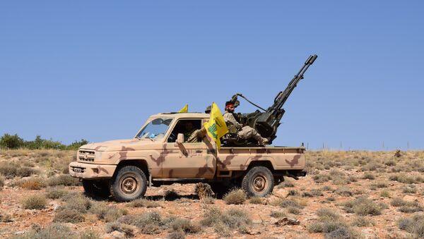 Combatientes del Hizbulá en Arsal - Sputnik Mundo