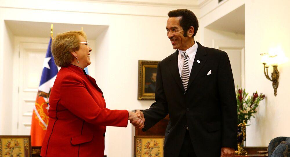 Michelle Bachelet, presidente de Chile, y Ian Khama, presidente de Botsuana
