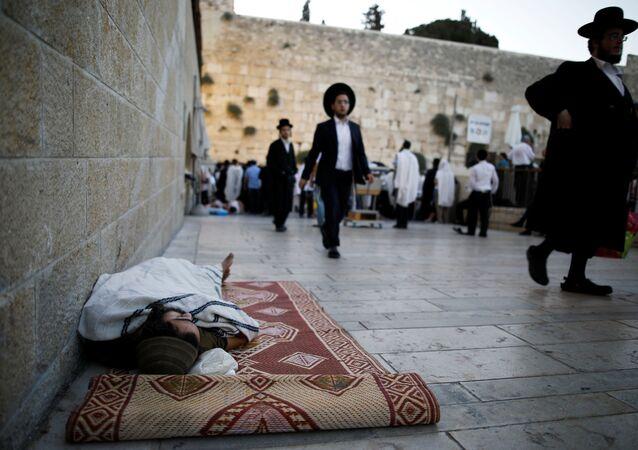 Los judíos en la Explanada de las Mezquitas en Jerusalén