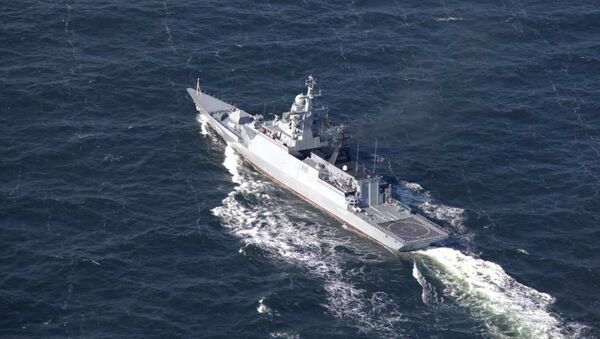 Marineros rusos y chinos realizan tareas en el marco de los ejercicios Cooperación marítima 2017 - Sputnik Mundo