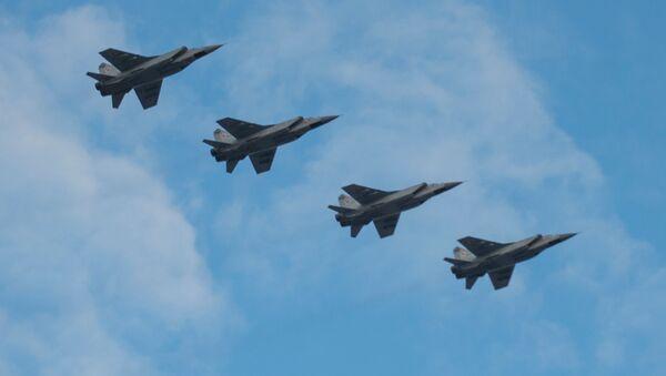 Cazas rusos MiG-31 (archivo) - Sputnik Mundo