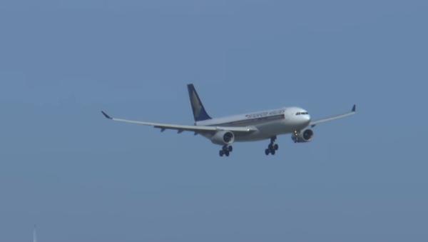 Aviones aterrizan en Australia pese a ráfagas de 100 km/h - Sputnik Mundo
