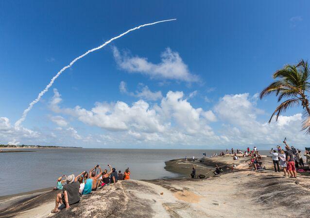 Lanzamiento de un cohete desde el puerto espacial de Kourou, en la Guayana Francesa (archivo)
