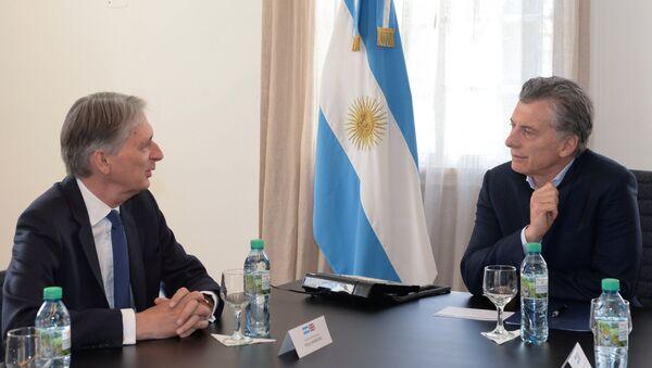 El presidente de Argentina, Mauricio Macri, y el canciller de Hacienda de Reino Unido, Philip Hammond - Sputnik Mundo