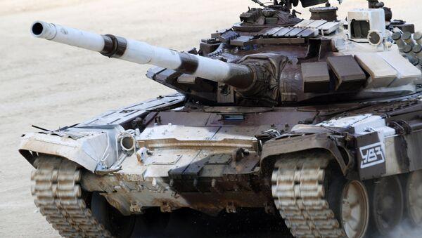 Un tanque durante los Army Games - Sputnik Mundo