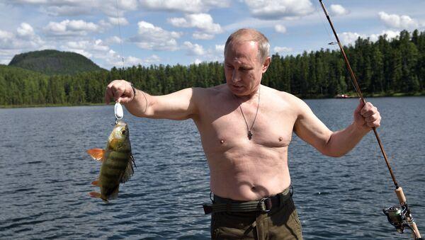 Президент РФ В. Путин провел отпуск в Республике Тыва - Sputnik Mundo