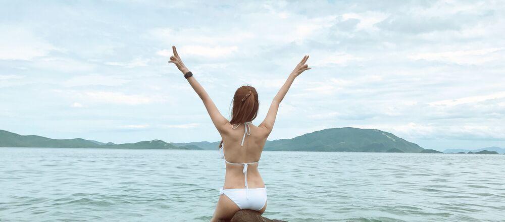 Chica en bikini (imagen referencial)