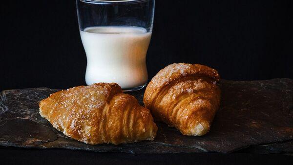 Croissant (imagen referencial) - Sputnik Mundo