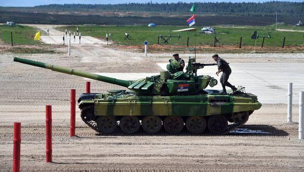 Tanque serbio en los Juegos Militares Internacionales Army Games 2017 - Sputnik Mundo
