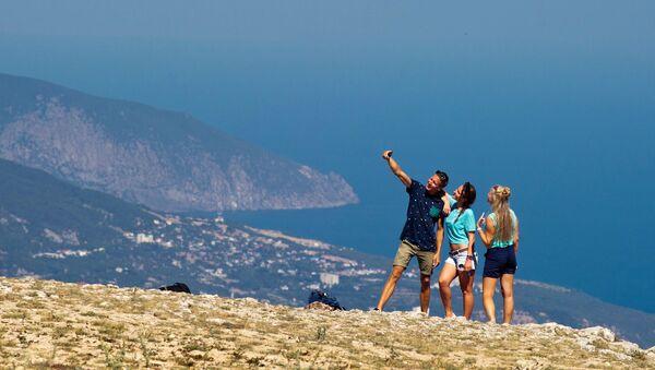 Turistas en Crimea (archivo) - Sputnik Mundo