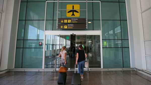 El aeropuerto de Barcelona - Sputnik Mundo