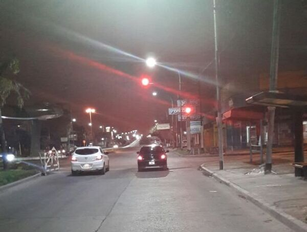 Luminarias de Incotex Electronic Group en la avenida Remedios de Escalada de San Martín en el partido de Lanús, provincia de Buenos Aires. - Sputnik Mundo