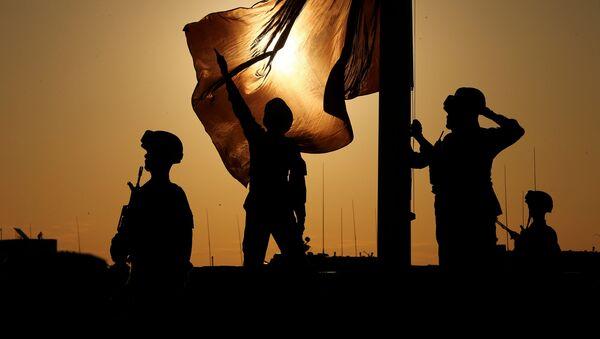 Soldados celebran el 90 aniversario de la fundación del Ejército Popular de Liberación de China - Sputnik Mundo
