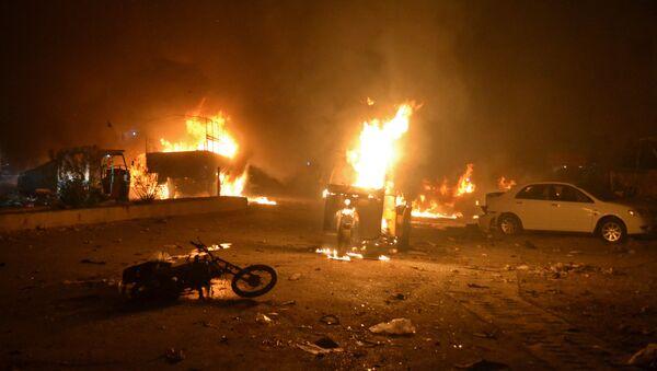 Consecuencias de la explosión en Quetta, Pakistán - Sputnik Mundo
