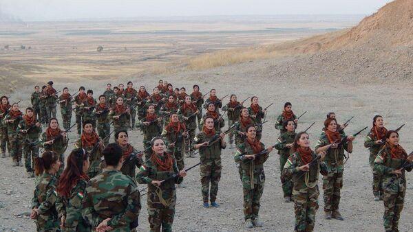 Mujeres kurdas se preparan para luchar contra Daesh (archivo) - Sputnik Mundo