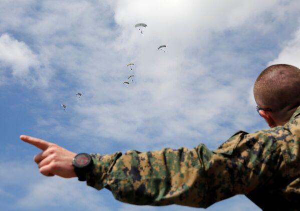 Militares estadounidenses, durante las maniobras conjuntas Northern Viper 17 en Hokkaido - Sputnik Mundo
