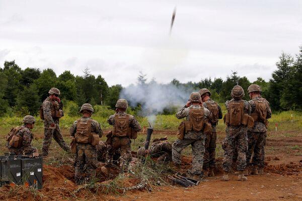 La Infantería de Marina de Estados Unidos, durante las maniobras conjuntas con las Fuerzas de Autodefensa de Japón en la isla de Hokkaido - Sputnik Mundo