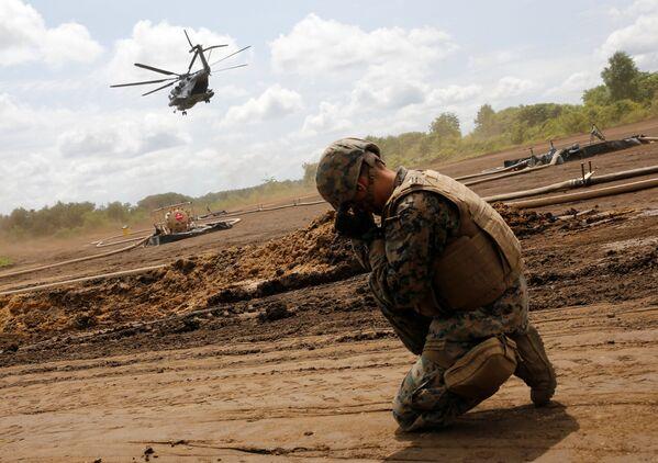 Un soldado estadounidense, durante las maniobras en Hokkaido - Sputnik Mundo