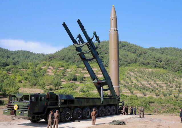 Misil balístico norcoreano Hwasong (imagen referencial)