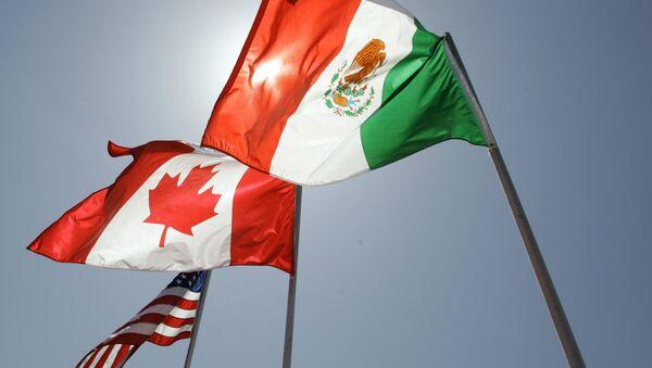 Las banderas de EEUU, Canadá y México - Sputnik Mundo