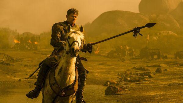 Jamie Lannister se lanza sobre el dragón Drogon - Sputnik Mundo
