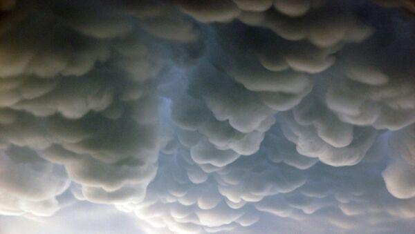 Nube mastodóntica sobre Rosario (Argentina) - Sputnik Mundo