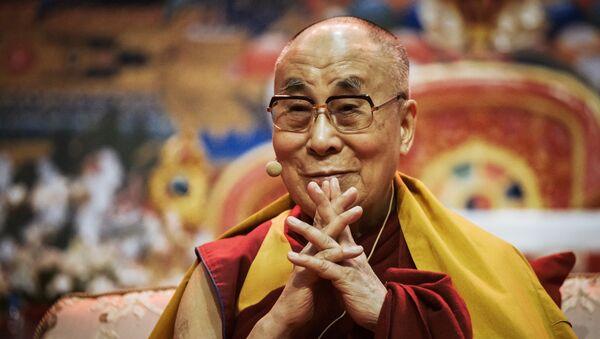 Далай-лама XIV провел лекцию в Риге - Sputnik Mundo