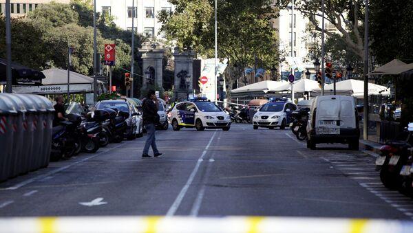 Policía en Barcelona - Sputnik Mundo