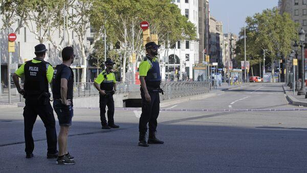 Los policías en Barcelona (archivo) - Sputnik Mundo