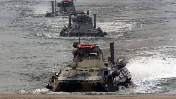 Maniobras de la Infantería de Marina de Rusia en la región de Kaliningrado - Sputnik Mundo