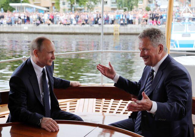 El presidente ruso, Vladímir Putin, con su homólogo finlandés, Sauli Niinisto (archivo)