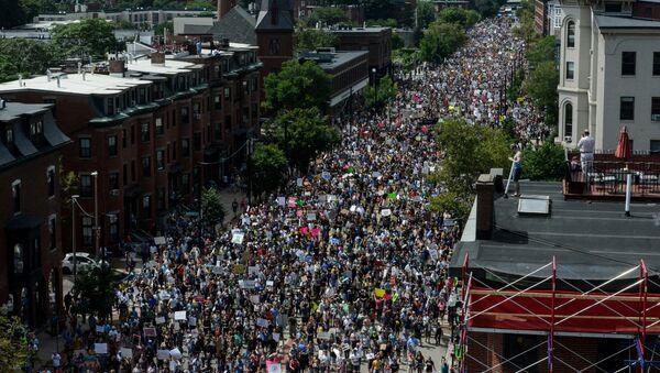 Protestas en Boston, EEUU - Sputnik Mundo