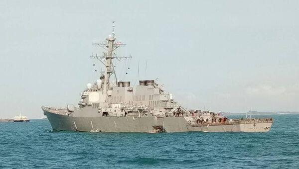 Destructor USS John S. McCain tras la colisión - Sputnik Mundo
