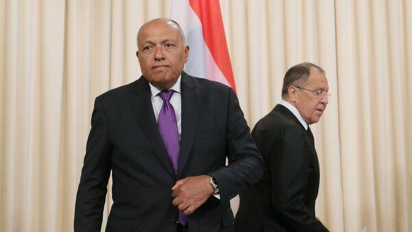 Sameh Shukri, canciller de Egipto, y Serguéi Lavrov, canciller de Rusia - Sputnik Mundo