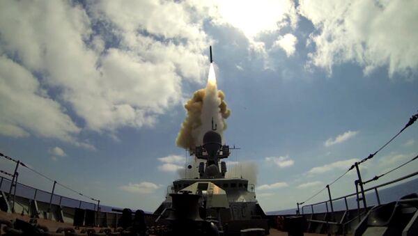 El lanzamiento del Kalibr en Siria - Sputnik Mundo