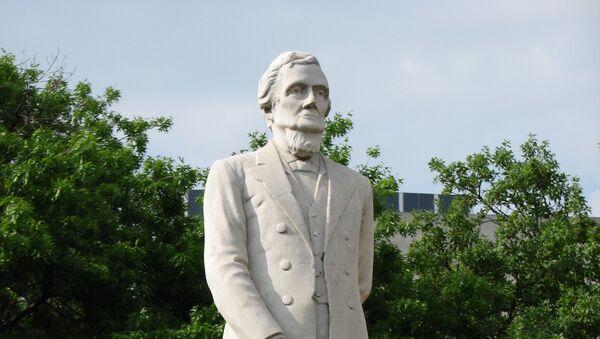 Monumento de Jefferson Davis en Texas, EEUU - Sputnik Mundo