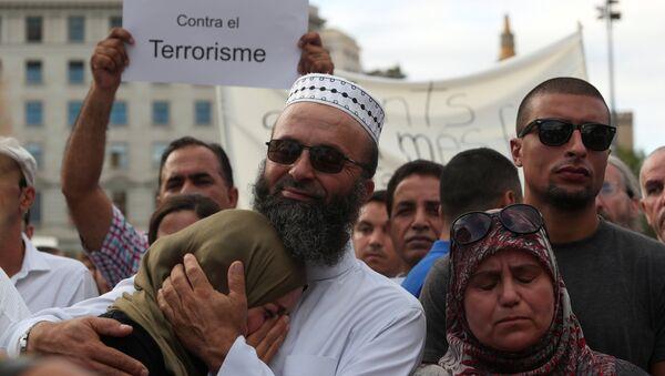 Manifestación de los musulmanes contra el terrorismo en Barcelona - Sputnik Mundo