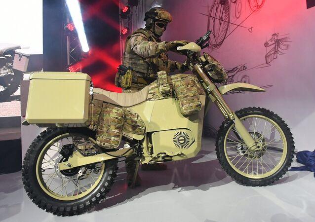 Una moto eléctrica para las unidades especiales del consorcio ruso Kalashnikov
