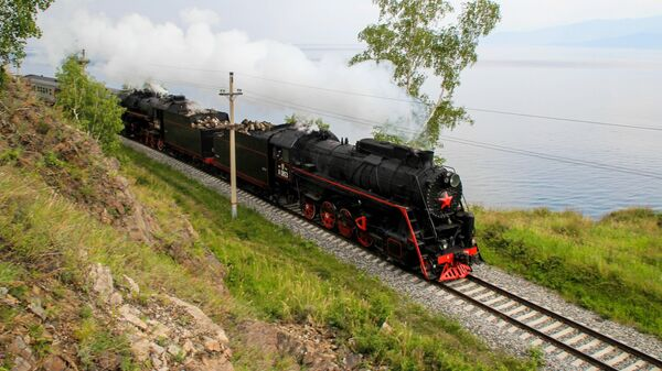 Un tramo del ferrocarril Transiberiano - Sputnik Mundo