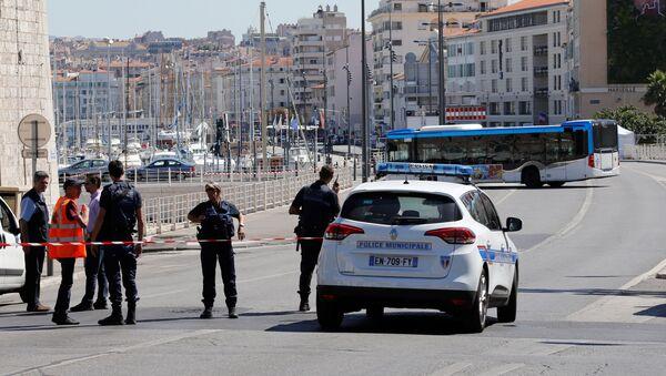 Policía francesa en Marsella - Sputnik Mundo