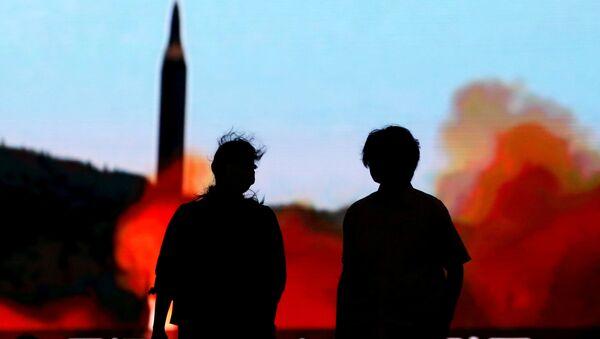 Lanzamiento del misil balístico norcoreano (archivo) - Sputnik Mundo