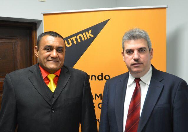 Sputnik recibió en sus estudios a William Pérez (izq) y Yul Jabour (der), diputados de la Asamblea Nacional y representantes venezolanos del Parlasur