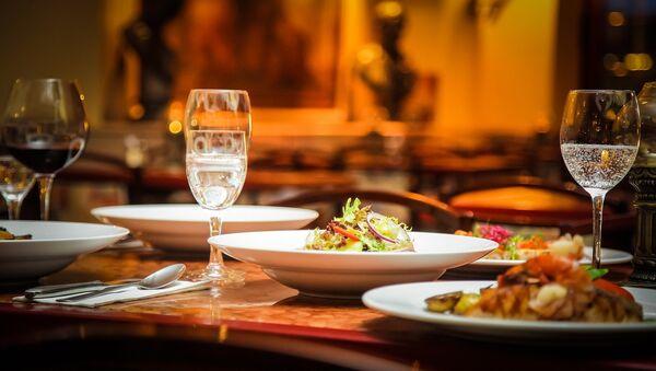 Una mesa de restaurante - Sputnik Mundo