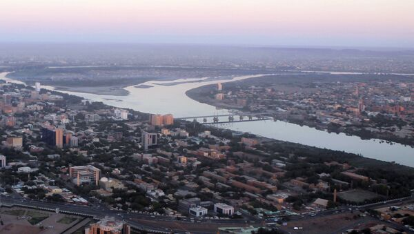 An aerial view shows the Nile river cutting through the Sudanese capital Khartoum - Sputnik Mundo