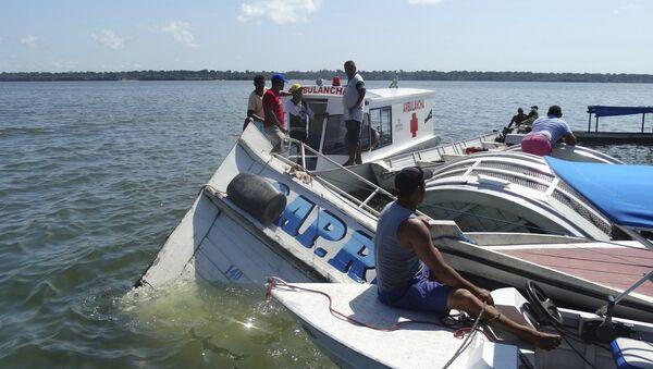 El naufragio de un barco en el río Xingú - Sputnik Mundo