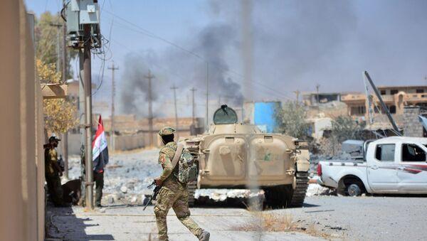 Militares iraquíes durante la operación antiterrorista en Tal Afar, Irak - Sputnik Mundo