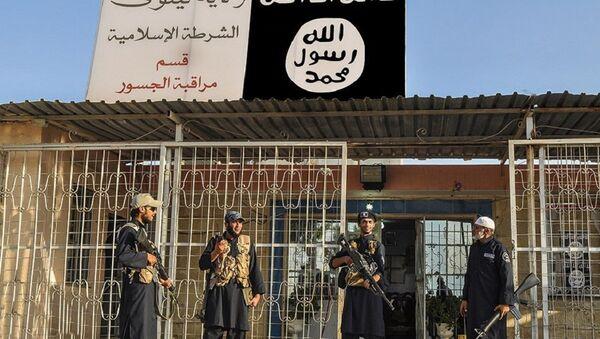 Yihadistas de Daesh en la ciudad siria de Deir Ezzor (archivo) - Sputnik Mundo